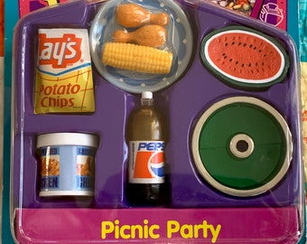 Kitchen Littles Picnic Party by Tyco Barbie Size 6th Scale