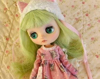 """Hasbro Takara 8"""" Middie Blythe Doll Melomelomew"""