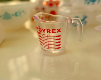Miniature Pyrex Measuring Cup 6th Scale Kitchen Diorama