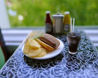 Hotdog, Chips & Coke