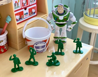 Bucket of Toy Soldiers Toy Story 6th Scale Barbie Size