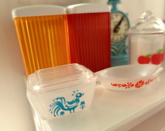 Pyrex Blue Covered Dish & Red Casserole