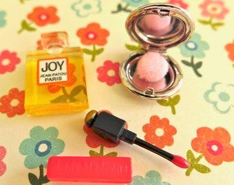 Barbie, Blythe Size  Compact, Perfume & Lip Gloss