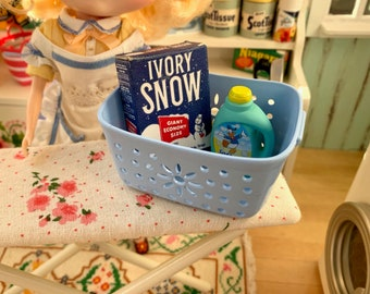 Ivory Snow Laundry Detergent Laundry Basket and Donald Duck Softener 1:6 Scale