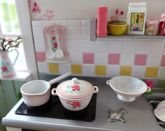Flowered Kitchenware 6th Scale Barbie & Blythe Size Kitchen Diorama