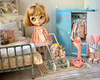 Vintage Flowered  Closet for Blythe Dolls
