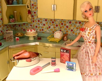 Kitchen Littles by Tyco Holiday Dinner Barbie Size 6th Scale