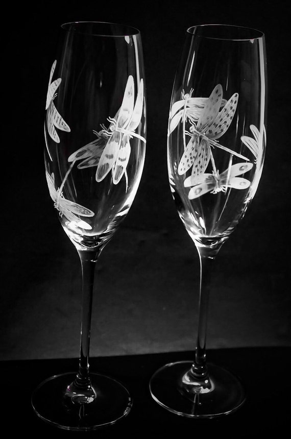 Hand Engraved Dragonflies on champagne flutes, engraved dragonflies, Champagne flutes etched, dragonflies customized glasses, crystal glass
