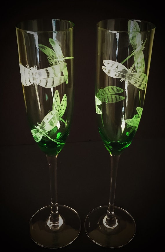 Hand Engraved dragonfly champagne flutes, dragonfly etched, office decor, housewarming gifts, crystal decor, dragonflies, toasting flutes