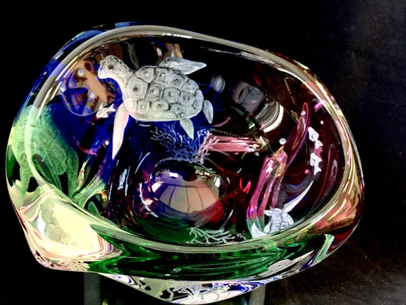 Hand Engraved Turtle Bowl, crystal Bowl, Engraved Glass Bowl, Etched Bowl, Turtles collector, Home Decor, Centerpiece Bowl