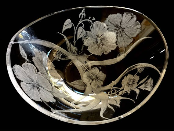 Hand Engraved Floral Hibiscus bowl, Engraved bowl, Centerpiece Bowls, Home Decor, Engraved crystal glass, Bowls