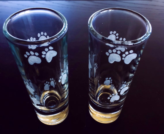 Hand Engraved Shot glass, Personalized Paws, glass, stag party glasses, shot glass, Paws, Puppy Paws, Dogs
