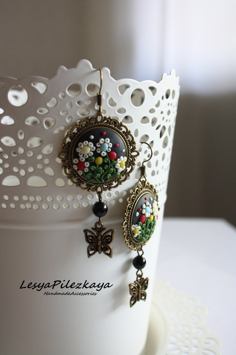 springsummer jewelry Polymer clay earrings with flowers
