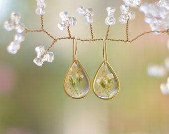 Pressed Flower Earrings, Babys Breath Earrings, Dainty Flower Earrings, White Flower Earrings, Romantic Gifts For Her, Gold Filled, Dangles