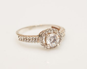 Halo Diamond Engagement Ring Gold Diamond Ring GIA Certified Diamond Ring 0,51cts Diamond Engagement Ring Gold Engagement RIng