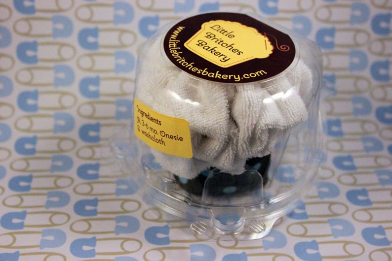 It's a boy: single pack onesie cupcake baby shower gift image 0
