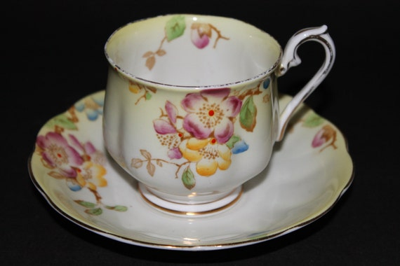 Royal Albert Bone China tasse et soucoupe « Japonica »