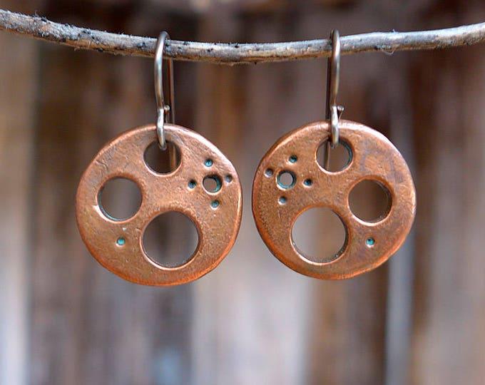 Steampunk circles in copper