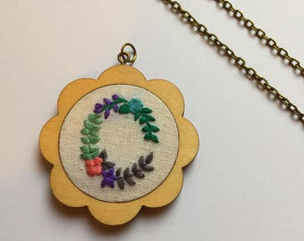 Scalloped Mini Embroidery hoop 47mm necklace or brooch