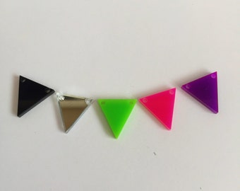 Perspex mini bunting flags for crafts & jewellery making. Pick your own colours