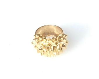 Gold statement ring Studs