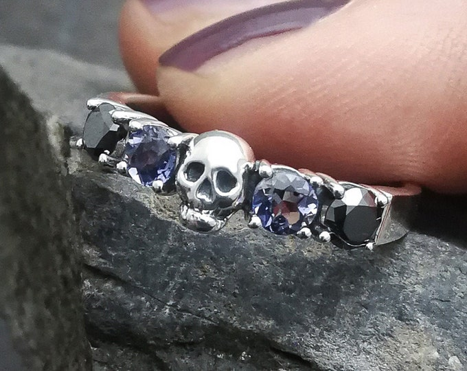 HELICE - Iolith and Black Diamond - Size 7 / 55 / N 1/2 - Skull Wedding Ring - Ready to Ship