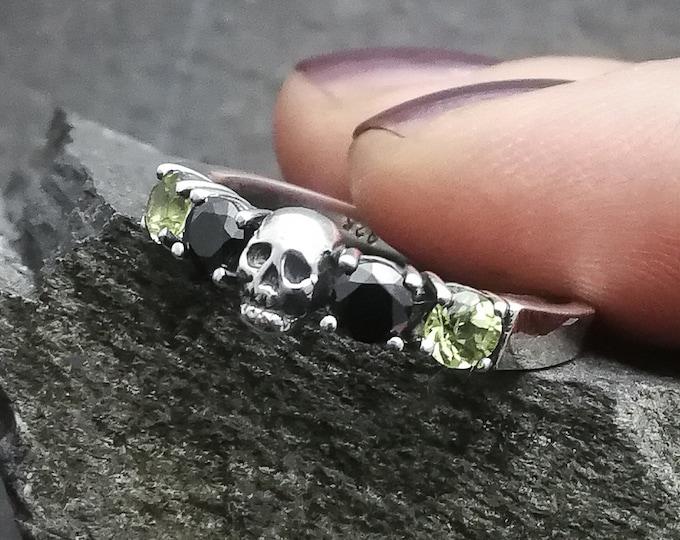 HELICE Peridot - Size 7.5 / 56.5 / O 1/2 - Skull Wedding Ring - Ready to Ship