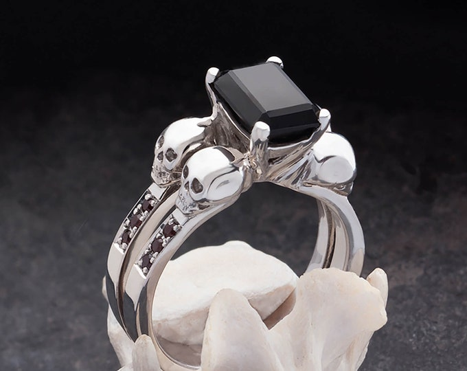 DAEMONA Skull Engagement Ring, Black Gemstone Goth Adornment, Memento Mori