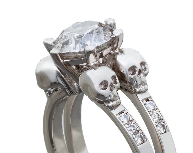 Solid White Gold Skullring, Memento Mori Ring in 14K White Gold with White Topaz or Sapphire