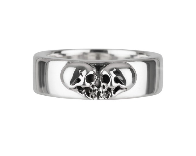 Kissing Skulls, Size 7, Massive Womans Skull Ring, Goth Heart, Skull Band, Gift for Her
