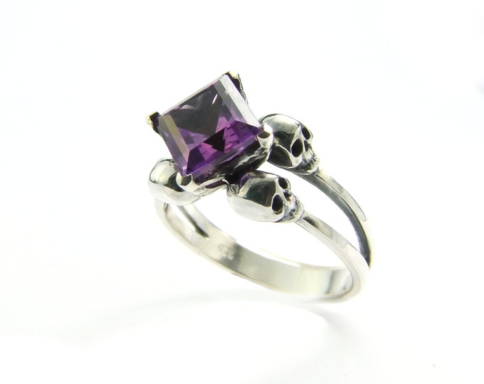 ZORYA Skull Wedding Ring Memento Mori Ring Square Amethyst Sterling Jewel Skull Ring Purple Goth Engagement Ring Rockabilly Womens Ring