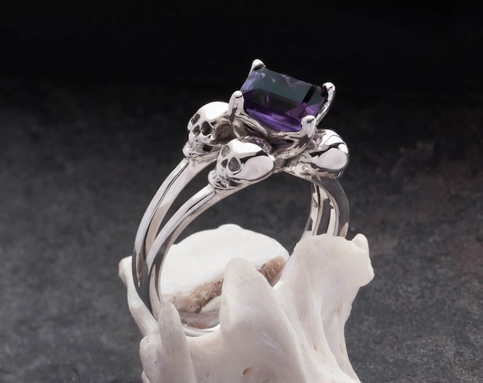 ZORYA Size 6 / UK L Skull Ring with Square Purple Amethyst, Steam Punk, Memento Mori