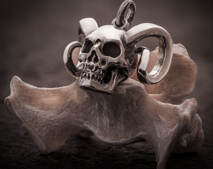 Horned Skull Pendant in sterling silver, Krampus, Skull, Biker, Men, Black Metal Style, Heavy Rock, Gift for him, Heavy Rock