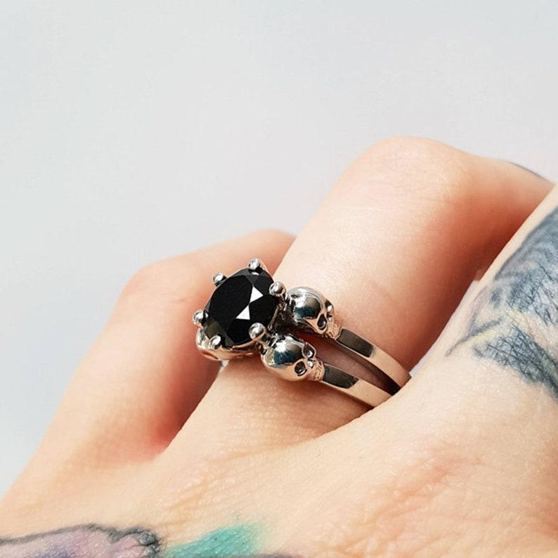 ab4662044ad Witchy bague de mariage en or blanc solitaire diamant noir