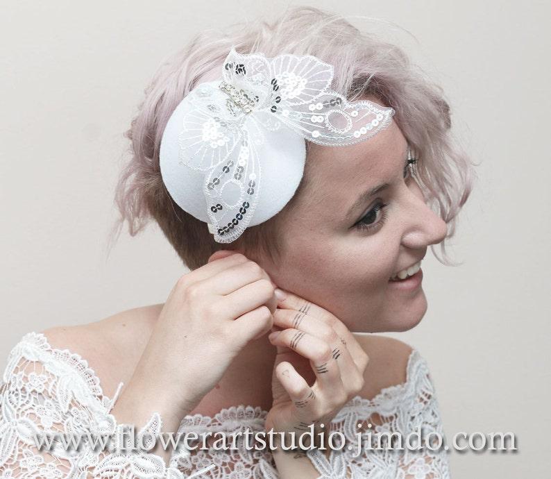 Retro wedding White Small Hat Bridal Headpiece White Butterfly headpiece Bridal top hat Classic White Wedding. Wedding Fascinator