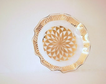 Vintage Glass Serving Bowl or Dish, Mid Century Glass Decor Decorative Dish. Vintage Glass, Gold decor, Hollywood RegencySpirograph.