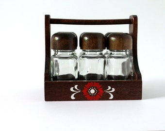 Vintage Wood Spice Rack With Glass Spice Bottle Set of 6, Spice Rack Counter top.Wood Kitchen Decor. Spice Jars Made in Japan 70s,