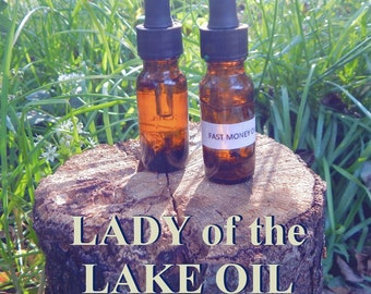 LADY of the LAKE OIL 15ml - Conquer all, rulership, law cases oil for candles altar anointing - handmade with essential oils & herbs