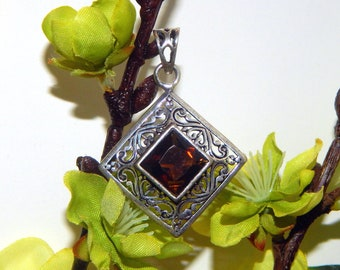 BOLD RAVENWING Grigori inspired vessel - Handcrafted Smoky Quartz pendant necklace - Conjure pagan Wicca witchcraft talisman