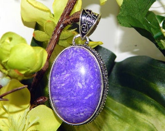 Alluring Dreamscape Vampire inspired vessel - Handcrafted Moonstone Amethyst pendant necklace