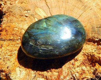 74g RAINBOW Polished Labradorite palm stone spectrolite - Reiki Wicca Pagan Geology gemstone specimen
