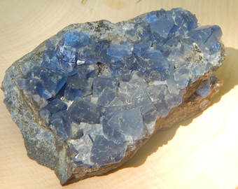 Color change BLUE FLUORITE spectacular cubic teal blue fluorite 8.3 oz Reiki Wicca Pagan Geology gemstone specimen