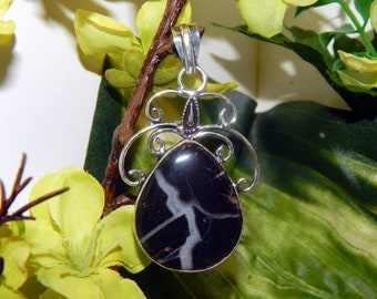 WA MYSTIC Black Tiger Shifter inspired vessel - Handcrafted Black Septarian pendant with chain - Conjure spirit vessel Witchcraft