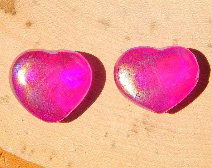 MAGENTA AURA Quartz puffy heart - 1.5 inch aura treated crystal - Reiki Wicca Pagan Geology gemstone specimen
