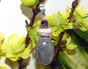 ALLURING Hybrid Celestial Wood Elf inspired vessel - Handcrafted purple Labradorite pendant necklace - Wiccan Pagan Witchcraft