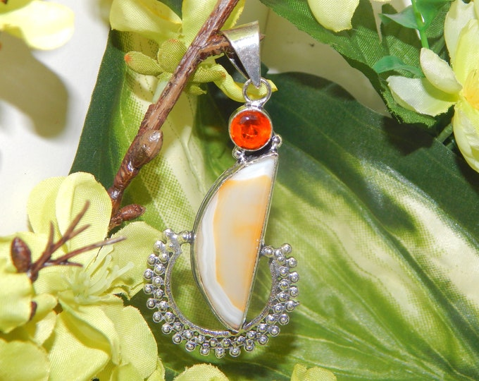 WISE Prince Ilmu Khodam inspired vessel - Handcrafted Agate Garnet pendant necklace