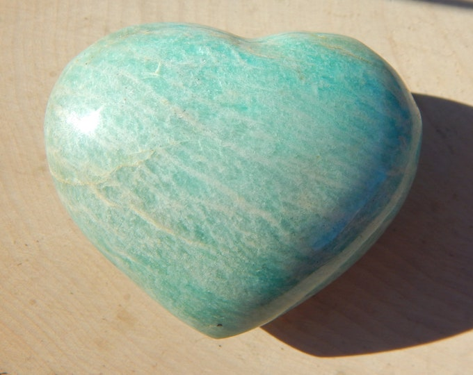 XL AMAZONITE HEART - 106 gr spectacular shiller natural gemstone - Reiki Wicca Pagan Geology gemstone specimen