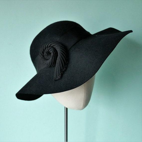 ORIGINAL 1930s VINTAGE Wide Brim Floppy Black Fel… - image 1