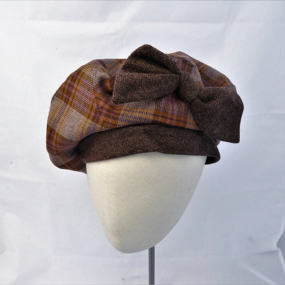 90d8d540e Wool Tartan Plaid Beret // Vintage Style Tam O'Shanter // 1940s French  Beret // Brown Maroon Bow