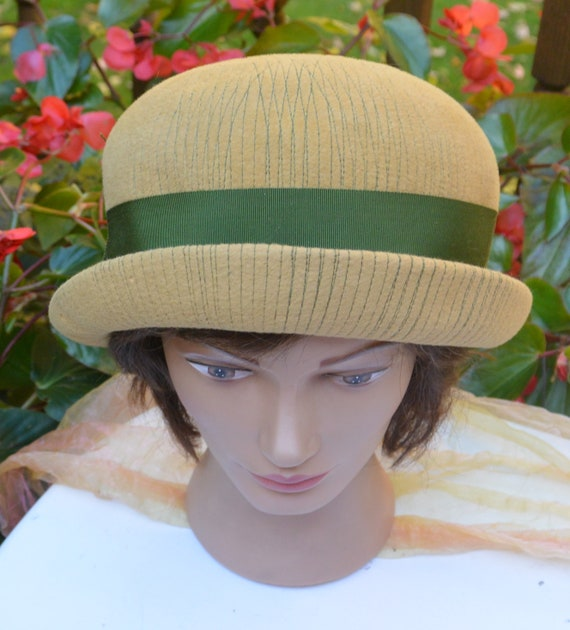 Elsa Schiaparelli Hat - Felt Cloche, Schiaparelli… - image 2